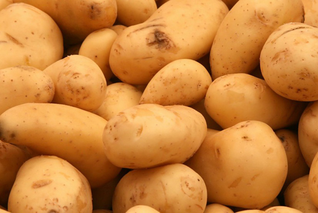Potatoes top veggie and fruit imports - The Namibian